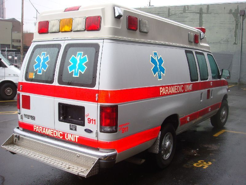 1998 Ford E350 7.3 Td Ambulance, Portland OR - 114207695 ...