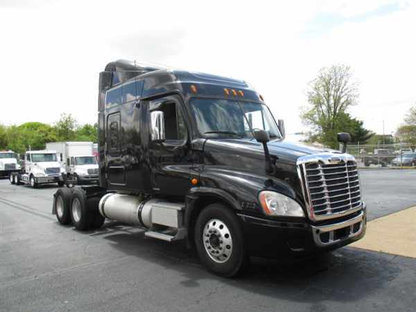 cascadia black singles Freightliner cascadia large  freightliner new generation cascadia hino hino  the 1st was a super single tire that blow out and hit my truck and could.