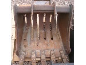 Bobcat Buckets 24